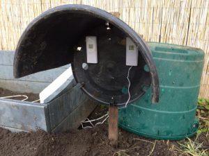 Überwachung der Luft- und Bodentemperatur im beheizten Frühbeet mit Funkthermometern (min/max)